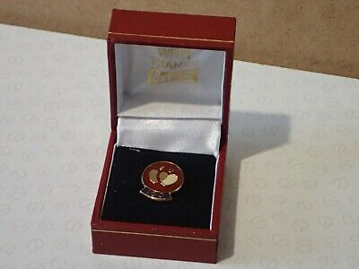 National Blood Transfusion Service 100 Donations Badge & Case   (B298) • 27£