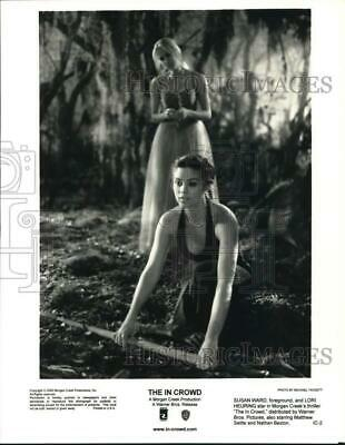 $ CDN24.85 • Buy 2000 Press Photo Susan Ward And Lori Heuring In A Scene From  The In Crowd.