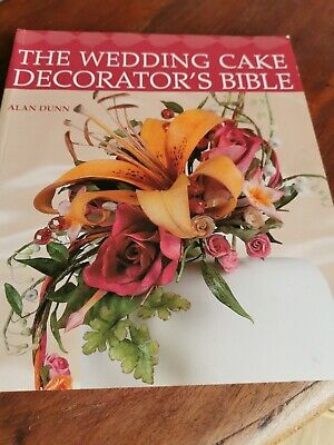 Cake Decorating Books • 2£