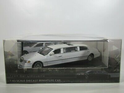 £34.90 • Buy VITESSE, 1:43 Scale LINCOLN TOWN CAR STRETCH LIMOUSINE In WHITE #36312