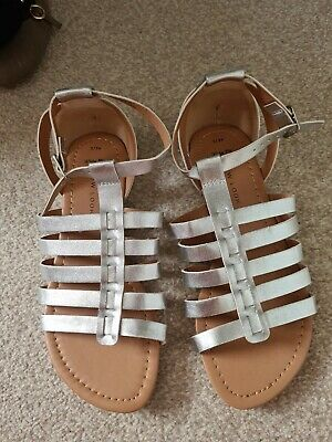 £5 • Buy New Look Size 3 Silver Gladiator Sandals Never Worn