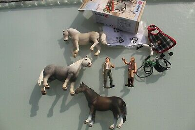 £29.95 • Buy Schleich HORSES X 3 PEOPLE X 3 BOXED  42020 TACK ALL VERY GOOD CONDITION RIDER