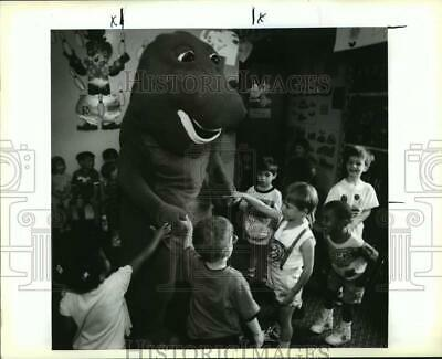 $ CDN25.16 • Buy 1993 Press Photo Barney The Dinosaur With Kids At Daycare Center In Kenner