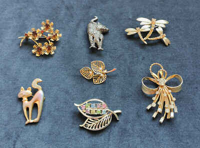 $ CDN50.17 • Buy Vintage Costume Jewelry 7 Brooches Lot. Sarah Coventry, Liz Claiborn, 1950-1990s