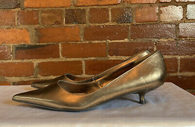 £4 • Buy Ladies 1950's Inspired Bronze Shoes. Size 7