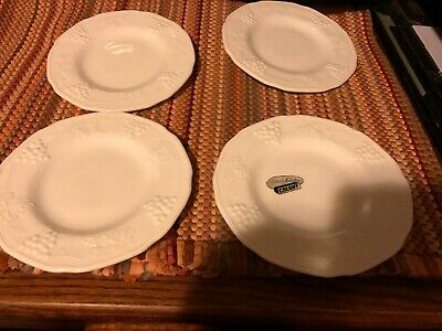 $2.99 • Buy Vintage White Milk Glass Small Plates 4 Pcs. Grape Pattern, One With Sticker