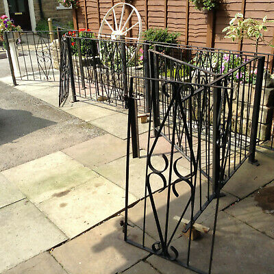£85 • Buy Garden Fence Railings. 37' 6  Approx  + 2 Gates. Spares Or Repair. DIY Project.