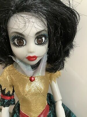 £11.99 • Buy Once Upon A Zombie Snow White Doll 2012 Ref 07814EL 0900