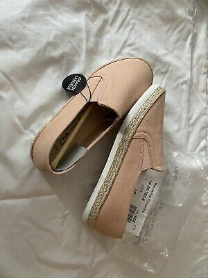 £5.50 • Buy New Look Wide Fit Pink Canvas Slip On Trainers Size 6