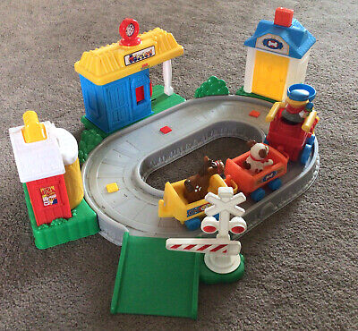 £12 • Buy  Fisher Price Little People Train Set Figures Train Track Sounds Toy