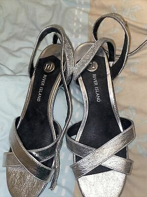 £7 • Buy Woman Shoes Size 6