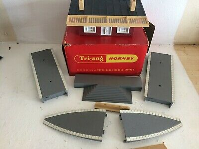 £22.98 • Buy Triang Hornby Station Building Platforms Ramps Steps In Box R473 R465 R458