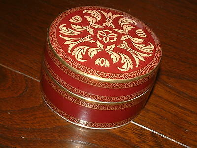 Royal Doulton Tennyson Lidded Box- As New-Never Used  • 29.99£