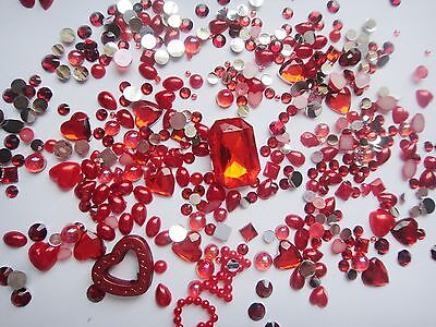 1000 Red Different Shaped Rhinestones And Pearls Deco Den DIY Kit  • 6.09£
