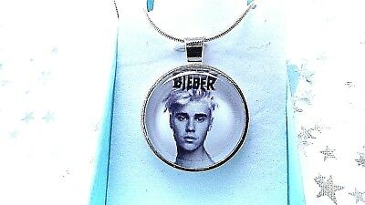 £6.99 • Buy JUSTIN BIEBER MUSIC SINGER PHOTO  SILVER PLATED 24 INCH  NECKLACE GIFT BOX Party