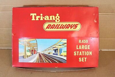 £74.50 • Buy TRIANG R459 LARGE STATION SET In PRESENTATION BOX BOXED