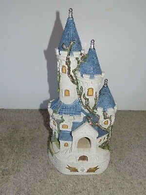 £237.65 • Buy David Winter Cottages Guinevere's Castle Limited Edition 1235/4300