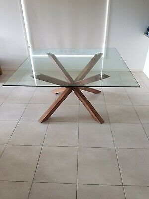 AU1700 • Buy Dining Table And 8 Leather Chairs