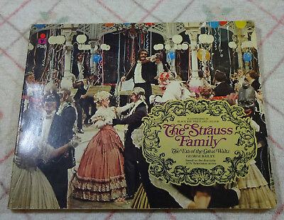 The Strauss Family. The Era Of The Great Waltz. George Bailey. P/b. 1972. • 3.99£