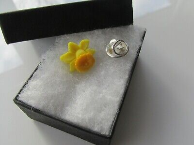 £3.25 • Buy Handmade Yellow Spring Daffodil Brooch Tie Lapel Tac - Marie Curie Charity 12872