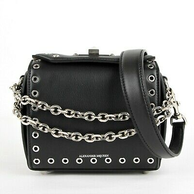 AU1053.73 • Buy $2090 Alexander McQueen Black Calf Leather Eyelet Box 16 Chain Bag 479767 1000