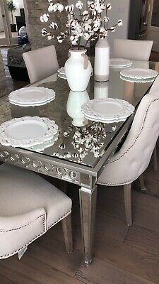 ZGALLERIE Dining Table & Chairs • 430$
