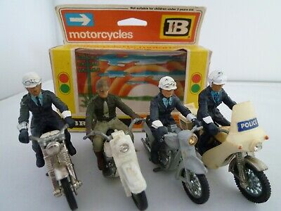 VINTAGE BRITAINS POLICE MOTORBIKE LOT X4 INC ONE BOX NORTON BSA HARLEY 1960/70s  • 11.50£
