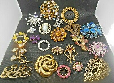 $ CDN28.91 • Buy Vintage Lot Of 20+ Costume Brooches Pins Some With Stones Pearls Plain Wearable