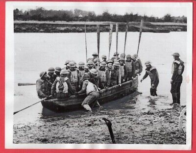 1941 British Soldiers Train On Collapsible Boat Northern Ireland News Photo • 23.89£