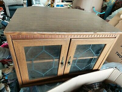 TV Cabinet - 2 Glass Doors And 1 Inner Shelf TV Cabinet. It's Got Some Wears On • 25£
