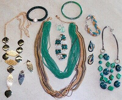 $ CDN11.54 • Buy Vintage - Now JEWELRY LOT 10pc GREEN Necklaces Bracelets Earrings Rings Pins Mix