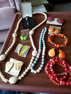 $ CDN6.80 • Buy Vintage To Now Lot Of Costume Jewelry