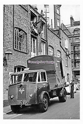Pu3076 - BR - Vulcan Container Lorry, Reg.No.GYM 8 Being Loaded - Photograph 6x4 • 2.10£
