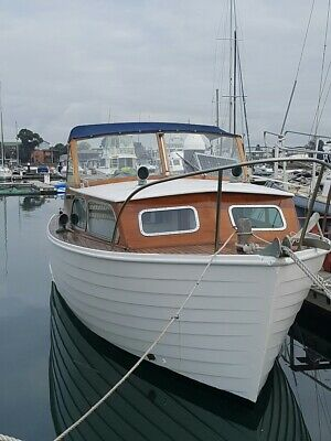 AU35000 • Buy Boat - 1966 Halvorsen 25 Ft. Skiff. Well Maintained Looks Great