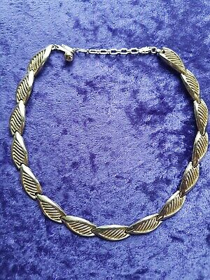 Vintage Trifari Gold Tone Necklace Excellent Quality And Condition • 38£