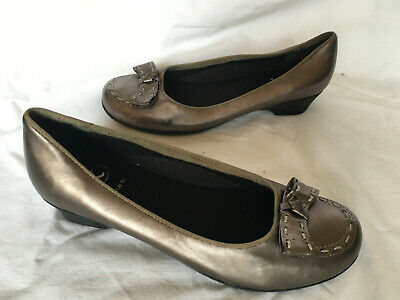 K By Clarks ~ Metallic Pewter Leather Courts Shoes 1.5  Heels ~ SIze 6 Wide Fit • 9.99£