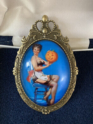 Sexy Vintage 1950's Housewife With Halloween Pumpkin Costume Brooch Pendant - BN • 7.99£