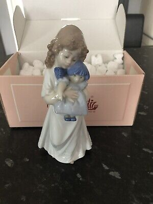 NAO BY LLADRO 01107 FIGURINE Girl With Doll Nightgown With Box • 14£