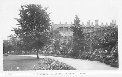 Real Photo Postcard - The Garden St. John's College, Oxford - England Unposted. • 8.99£