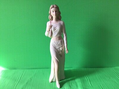 The Regal Collection - Lady Figurine- Michelle - P 167- Excellent Condition • 9.90£