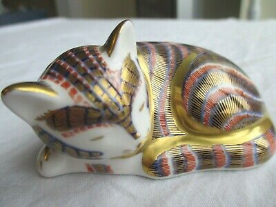 Royal Crown Derby Cat Paperweight (Gold Stud) • 17£