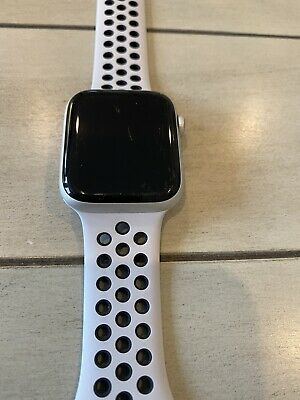 $ CDN262.97 • Buy Apple Watch Series 4 44mm Stainless Steel - Nike Band