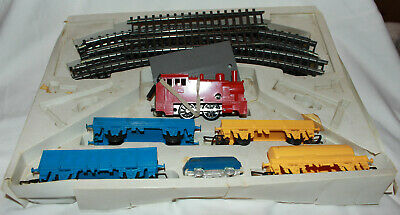 Clock Work Train Set, Coaches And Rail, In Good Condition • 20£