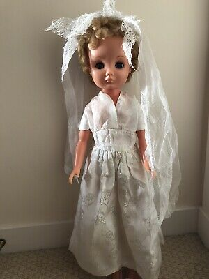 "Vintage 1957 24"" Roddy Teen Doll With Lovely Wedding Dress. • 40£"