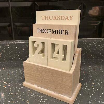 £12.99 • Buy Wooden Perpetual Calendar Accessory Display Month/Date/Day Gift Desk Top Decor