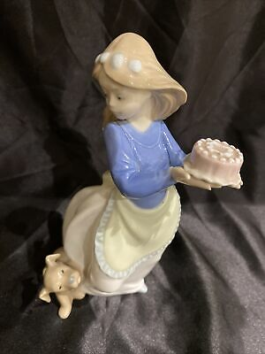 Vintage Nao By Lladro Girl With Puppy And Cake Gloss Figurine  No 1045G  • 15.49£