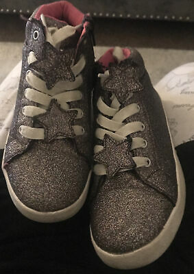 Girls High Top Trainers Size 1 • 4.06£