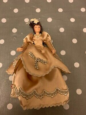 Female Doll Wearing A Fancy Dress  1.12 Scale Dolls House Miniature New  • 4.99£