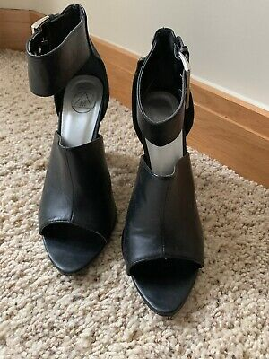 Womens Missguided Black Faux Leather Peep Toe Shoes Size 6 • 9.99£