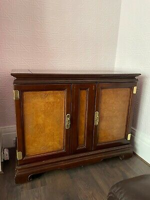 Dining Room Cabinet With Fold Out Drinks Counter.Good Condition/beautiful Detail • 95£